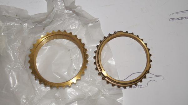 1132620034 1st and 2nd spd Synchronizer Ring €100.00 HeckFlosse-Fintail