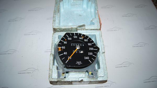 0085428506 240 Km/h Speedometer €300.00 W107