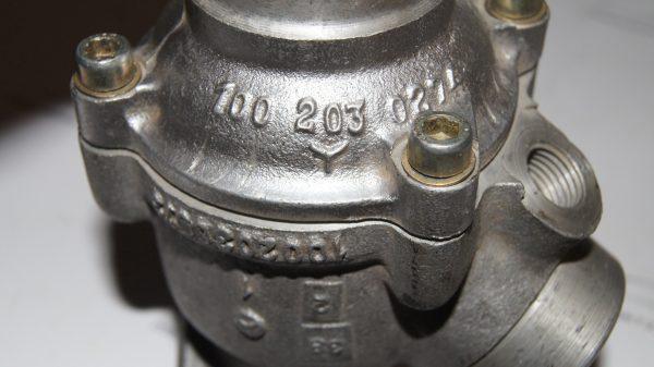 1002000215 M100 Thermostat €500.00 600