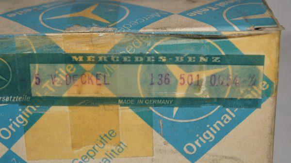 1365010054 Oil filler cap €40.00 1946-1955