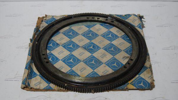 1002500112 722.003 450SEL 6.9 Flywheel €400.00 M100