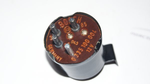 0015451624 delay time-lag switch €200.00 600
