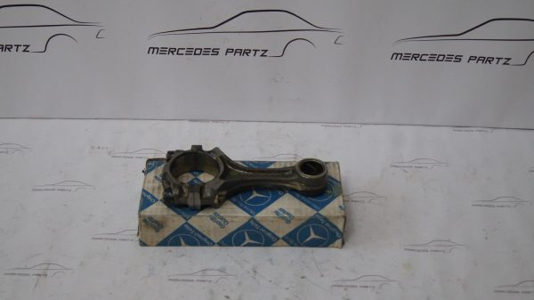 1300301120 M130 M114 Connecting Rod €150.00 E