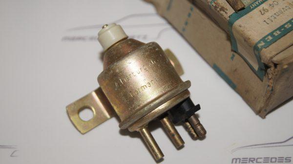 0015400497 Fuel Pump Valve €100.00 Chassis