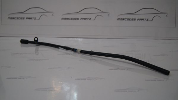 1040100866 M104.990 Oil Dipstick Guide Tube €50.00 Chassis