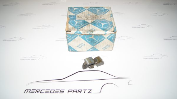 1100550901 M110 Rocker Arm €19.00 Chassis