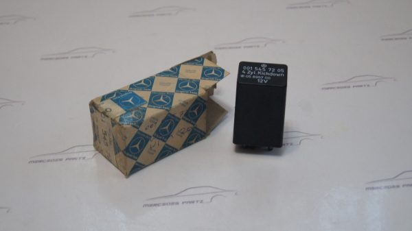 0015457205 Idling shut off valve relay €230.00 Chassis