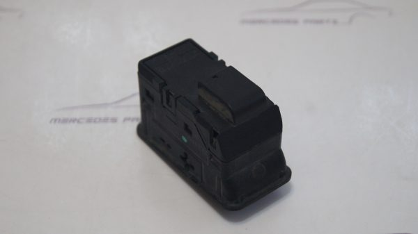 2108203410 Sunroof switch €50.00 Chassis