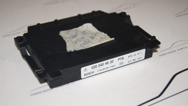 0205454832 Park Tronic System Control Unit €45.00 Chassis