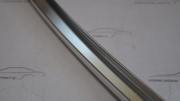 1267300219 W126 SWB Window Staybar Right €50.00 Chassis