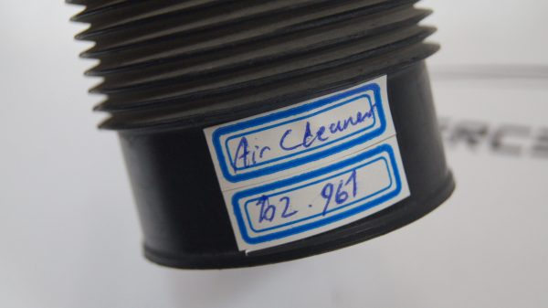 1020942882 M102 Aircleaner Hose €8.00 Chassis