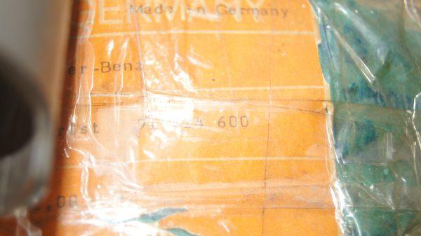 1140309117 Piston Set 82.00 €760.00 Brand
