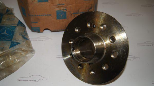 1003340501 Front Wheel Hub €0.00 Brand