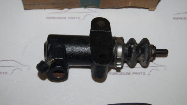 0002951907 Clutch Slave Cylinder €67.00 Brand