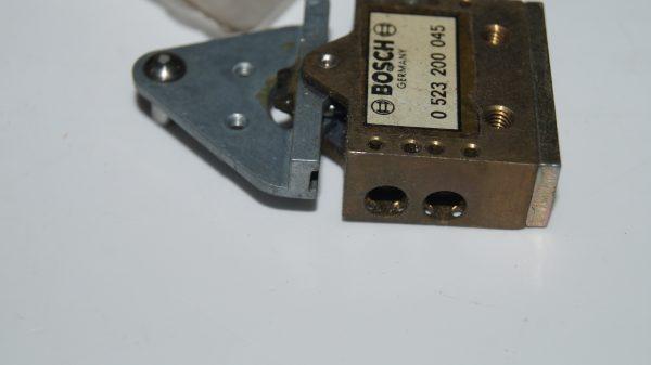 1008005373 W100 Hydraulic Switch €0.00 Chassis