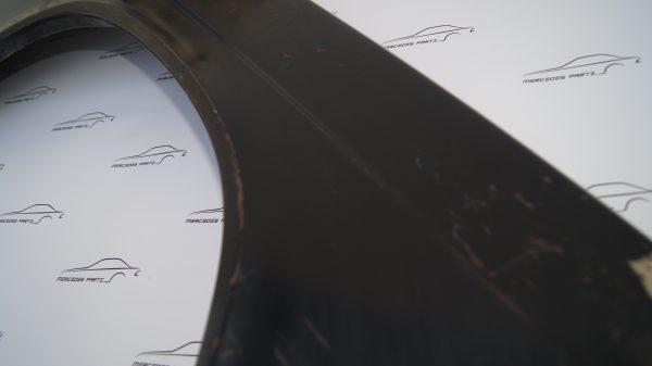 2018811801 W201 Front Right Fender €250.00 Van Wezel