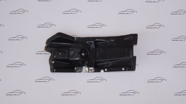1156201531 Front Panel Left Console €130.00 W203