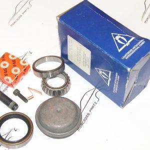 2013300051 , A2013300051 , W201 front wheel bearing set