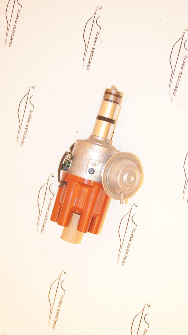 A0031581701 , 0031581701 , 0237016005 , bosch 0237016005 , ignition distributor JGFU 6 , JGFU6 , M123 ignition distributor , W123 250 distributor