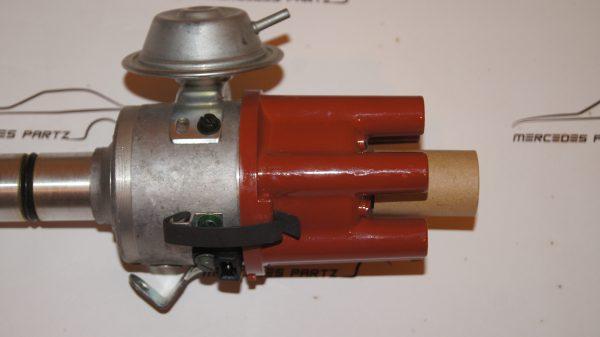 A0031581701 , 0031581701 , 0237016005 , bosch 0237016005 , ignition distributor JGFU 6 , JGFU6 , M123 ignition distributor , W123 250 distributor v