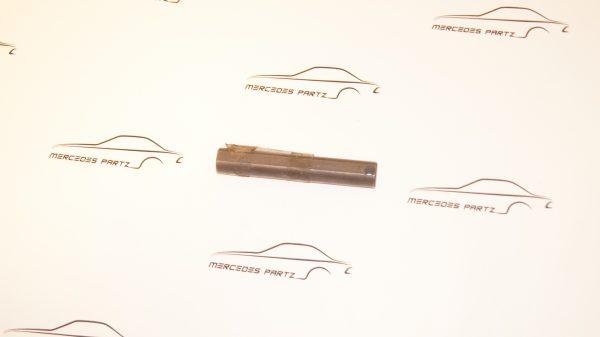 A1803530021 , 1803530021 , W105 . W110 , W111 W113 W120 W121 W128 W180 differential pin for pinion