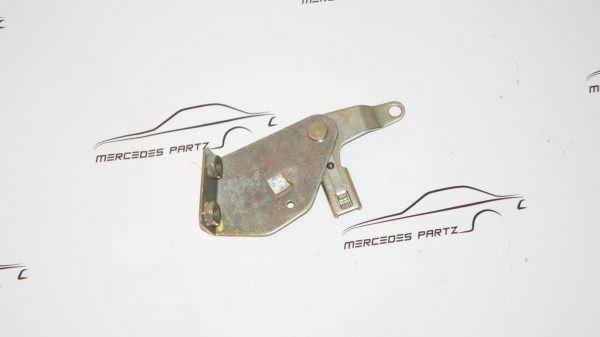 A1088300139 , 1088300139 , W108 W109 heater left summer ventilation flap control mounting