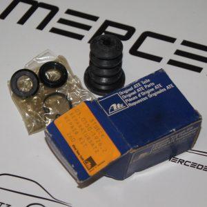 0005862929, A0005862929, W107, W108, W114, W115, W116, W123, W126 Master cylinder repair kit