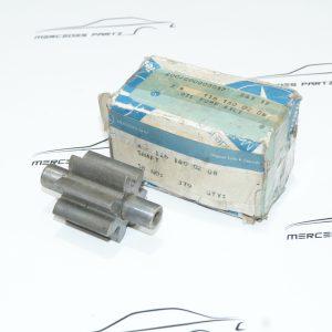 A1161800208 , 1161800208 , M100 M103 M104 M114 M116 M117 M130 M180 OM601 OM603 OM617 OM661 OM662 Oil pump shaft gear