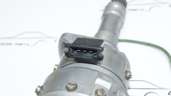 A0011586601 , A0011588001 , 0011588001 , pfudx6 , 0011586601 , Bosch 0231306002 , M110 ignition distributor