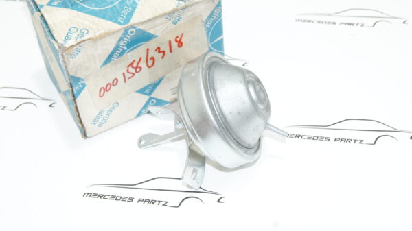 A0001586318 , 0001586318 , M110 ignition distributor vacuum